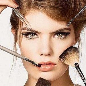 Kozmetik Cilt Bakım Ürünleri ve Maskeler